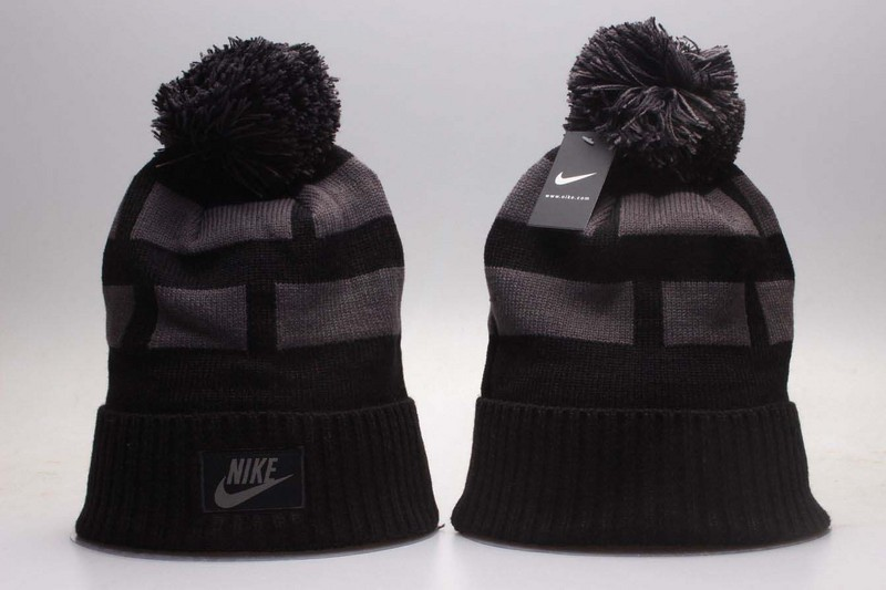 Nike Black Knit Hat YP2