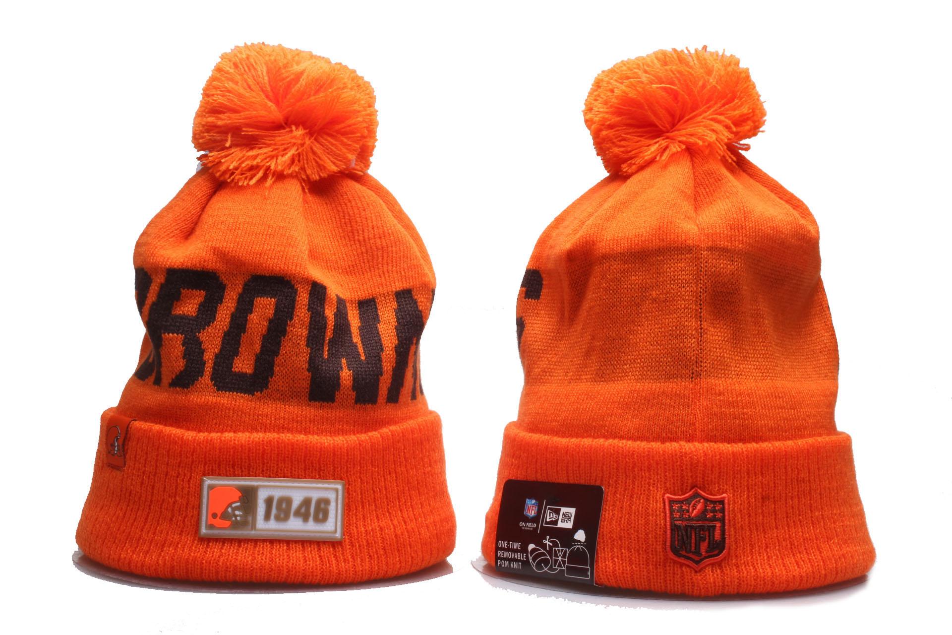 Browns Team Logo Orange Cuffed Pom Knit Hat YP