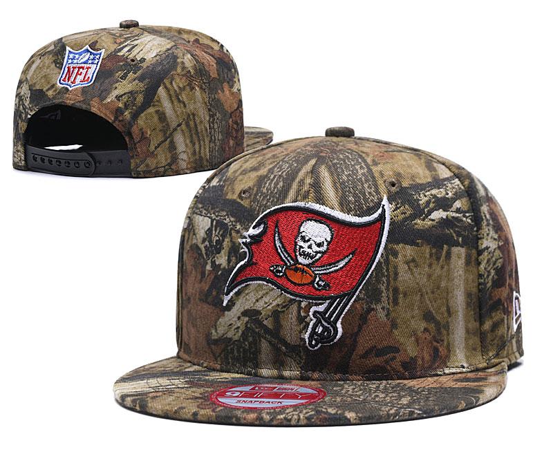 Buccaneers Team Logo Camo Adjustable Hat LT