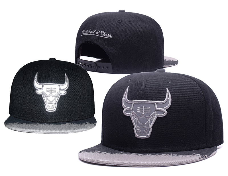 Bulls Team Logo Black Silver Mitchell & Ness Adjustable Hat GS