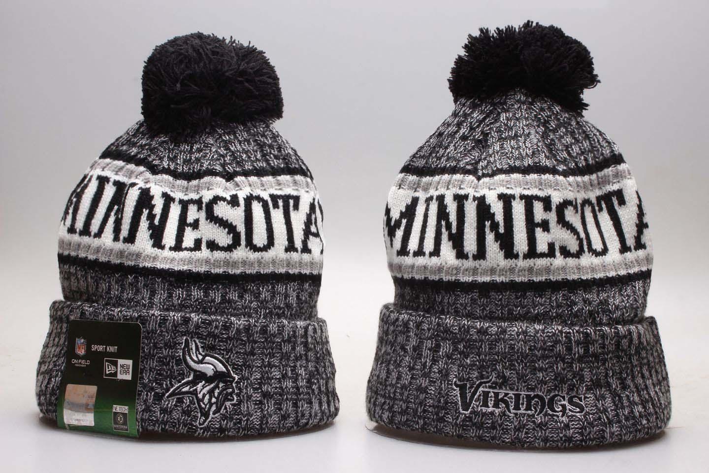 Vikings Fresh Logo Wordmark Cuffed Pom Knit Hat YP