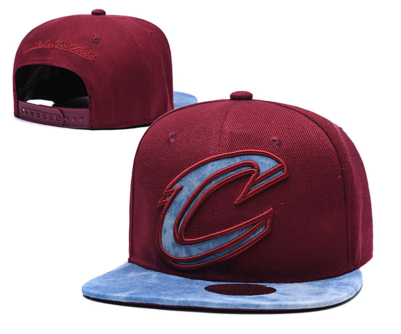 Cavaliers Team Logo Red Mitchell & Ness Adjustable Hat TX
