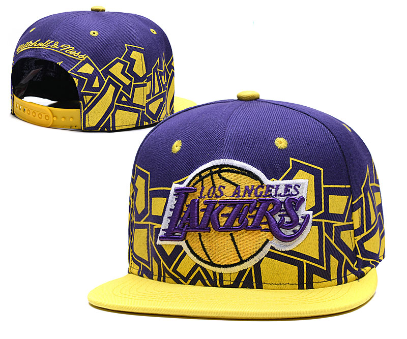 Lakers Team Logo Yellow Purple Mitchell & Ness Adjustable Hat TX