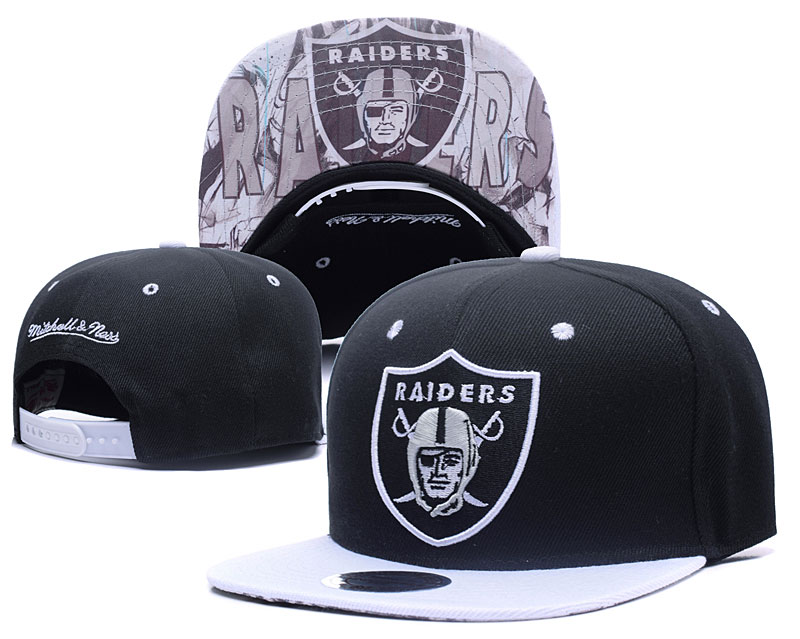 Raiders Team Logo Black Mitchell & Ness Adjustable Hat LH