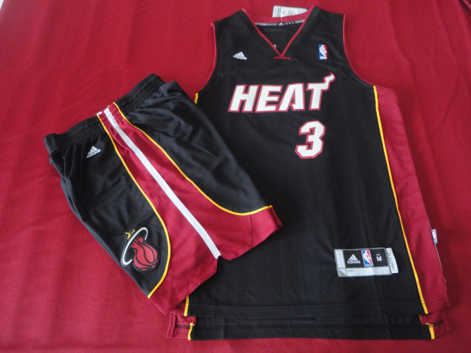 Heat 3 Wade Black New Revolution 30 Suits
