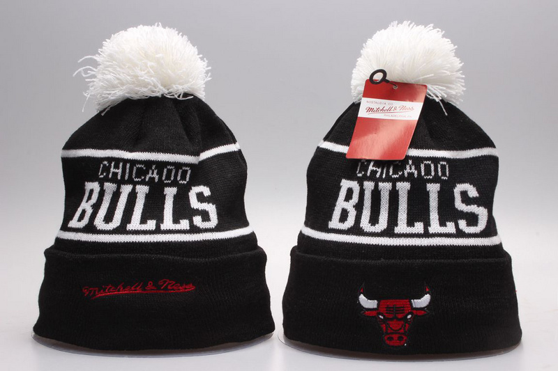 Bulls Black Mitchell&Ness Knit Hat YP
