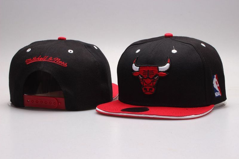 Bulls Black Mitchell & Ness Adjustable Hat YP