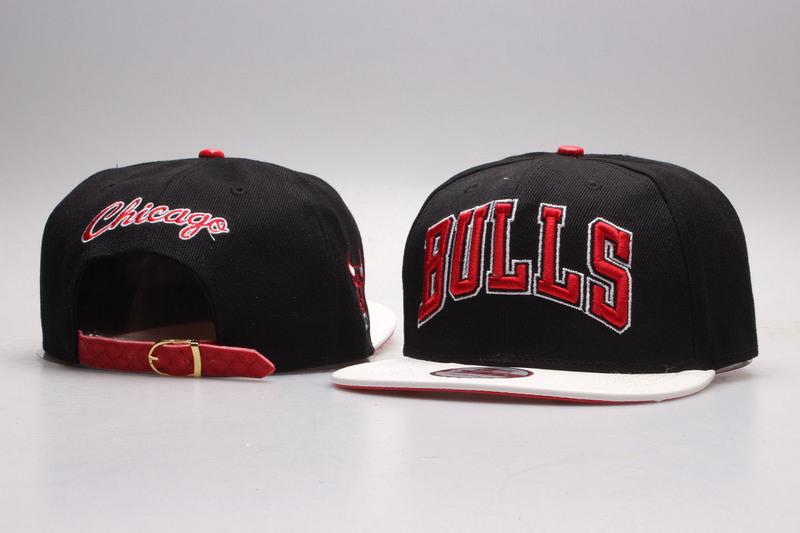 Bulls Black Mitchell & Ness Adjustable Hat YP02