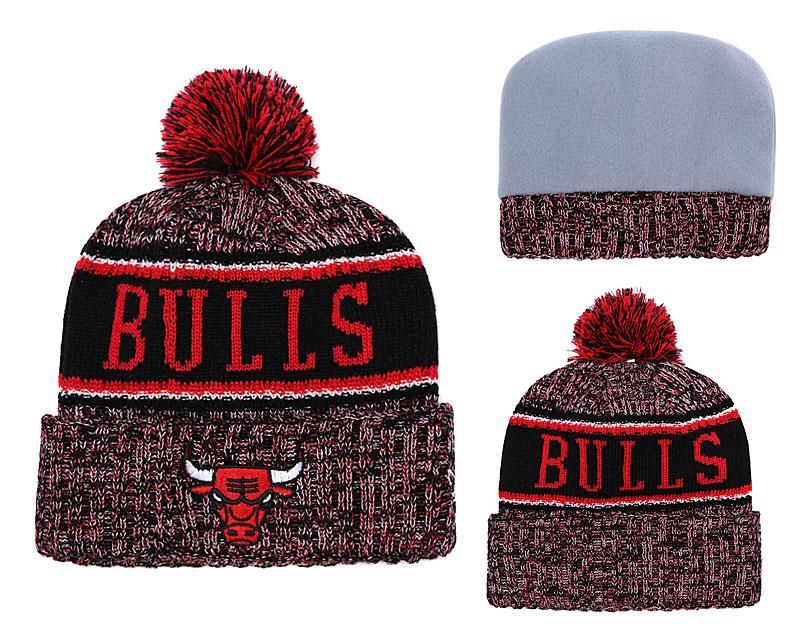 Bulls Team Logo Cuffed Knit Hat With Pom YD