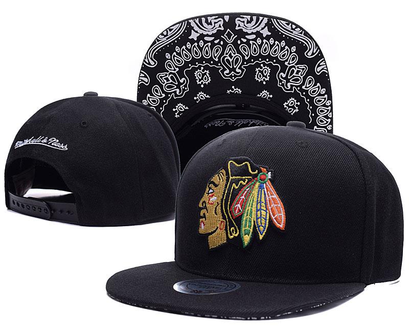 Blackhawks Team Logo Black Mitchell & Ness Adjustable Hat LH